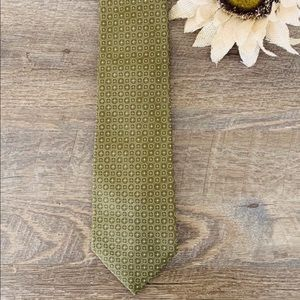 BANANA REPUBLIC 100% Silk Olive Green Necktie
